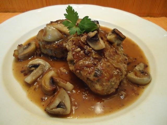 Mis recetas de cocina filetes rusos en salsa - Filetes de carne en salsa ...