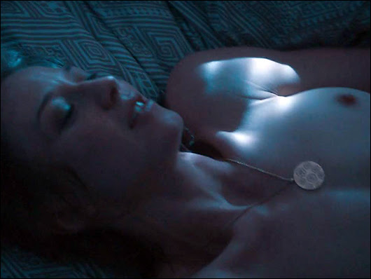 carrie coon topless in the leftovers
