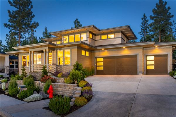 Beautifully Appointed Modern Prairie Home Oregon Luxury Homes Mansions For Sale Luxury Portfolio