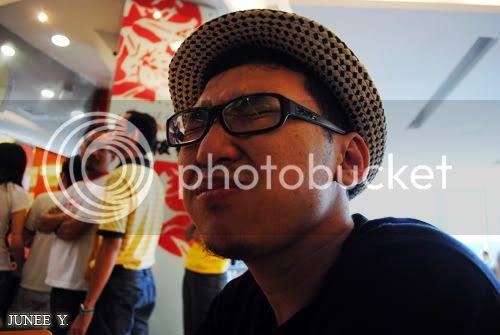 http://i599.photobucket.com/albums/tt74/yjunee/blogger/DSC_0944.jpg?t=1255343433