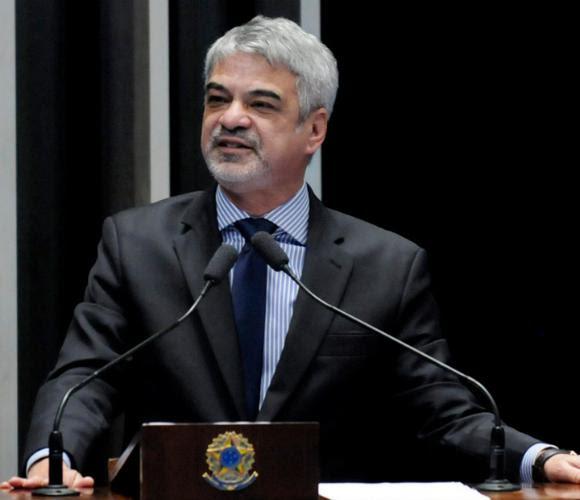 Humberto denunciou ataques sistemáticos contra o ex-presidente. Foto: Alessandro Dantas/Liderança do PT