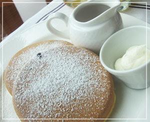 コンラッド東京の朝御飯。絶品だったブルーベリーパンケーキ。
