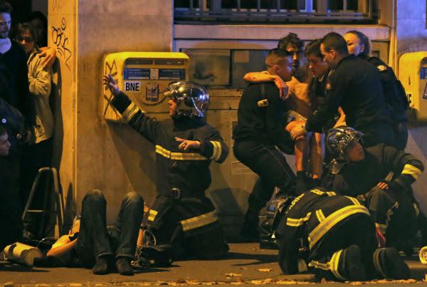 Hình ảnh (Cập nhật) Khủng bố liên hoàn tại Paris: Ít nhất 158 người thiệt mạng, Pháp đóng cửa biên giới số 2