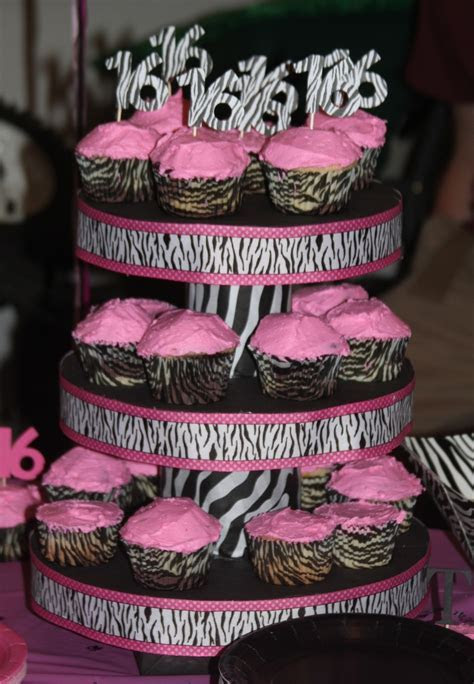 17 Best images about Cupcake Stands on Pinterest   Lace