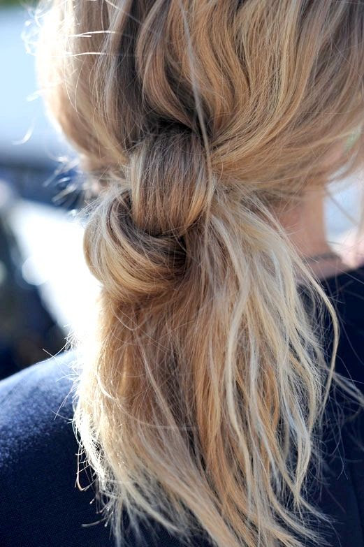 Le Fashion Blog -- 3 Stunning Knotted Ponytails -- Side Knot Hair Inspiration Via Hanneli -- photo Le-Fashion-Blog-3-Stunning-Knotted-Ponytails-Side-Knot-Hair-Inspiration-Via-Hanneli.jpg