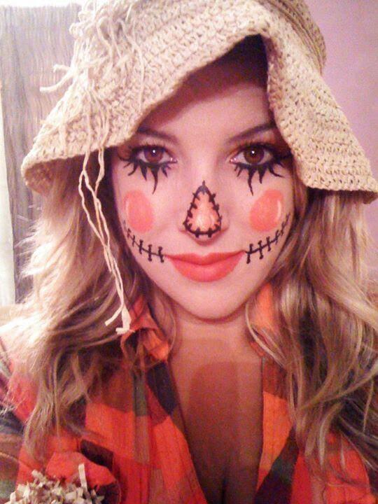 DIY Halloween Makeup / simple scarecrow - Fereckels http://www.fereckels.com/curator/joanna/diy-halloween-makeup-14388/96986.html