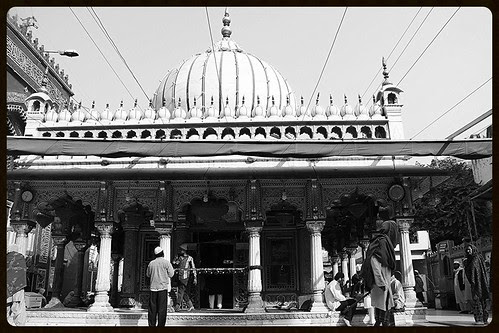 Dargah Nizamuddin Auliya Through The Lens of a Beggar Poet by firoze shakir photographerno1