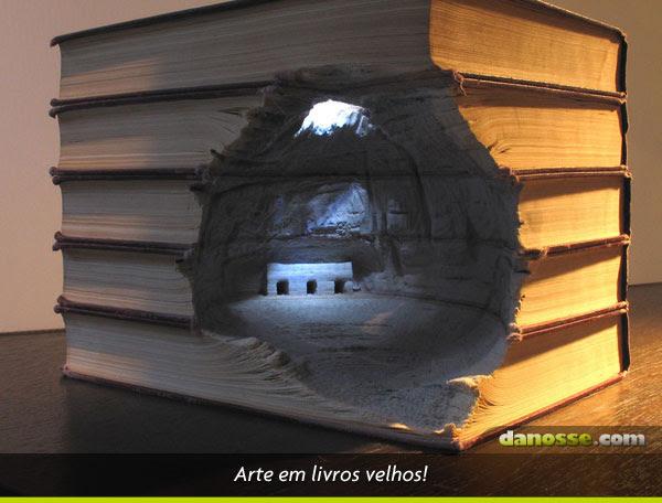 Arte com livros velhos!