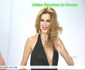 Adriana Garambone sensual na novela Rebelde