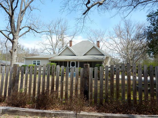 P1180403-2013-03-30-Ellenwood-Georgia-Vernacular-House