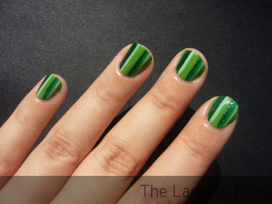 Striped Manicure Nail Art Stripes Tutorial How To Striper Zoya Ivanka Veruschka OPI Damone Robers 1968 Green-wich Village Essie Pretty Edgy