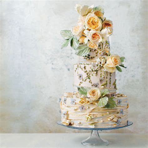 Gorgeous Floral Wedding Cakes by Maggie Austin   Martha