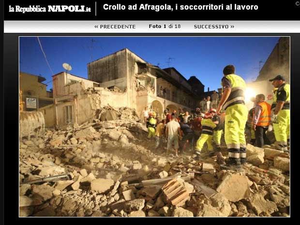 Página do jornal italiano La Repubblica publica imagens do local do desabamento