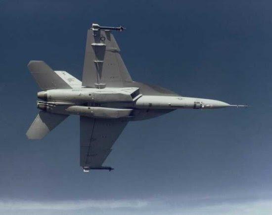 Boeing propõe à FAB produzir F-18 em São Paulo