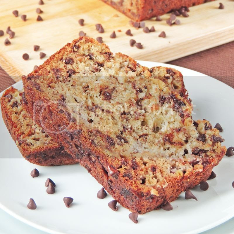 Chocolate Chip Banana Bread from www.bobbiskozykitchen.com