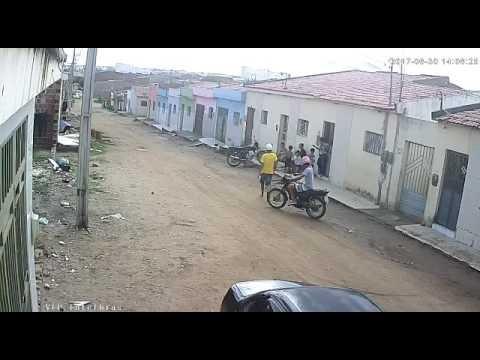 Câmeras registram mais um assalto em Santa Cruz do Capibaribe