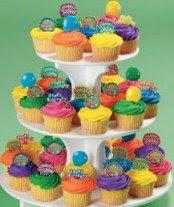 More more cupcakes