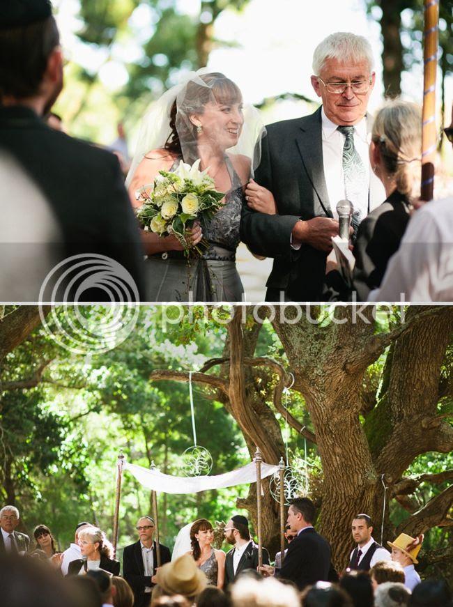 http://i892.photobucket.com/albums/ac125/lovemademedoit/welovepictures/JJ_WoodlandsWedding_010.jpg?t=1343223508