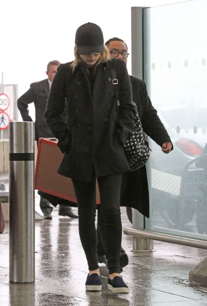Chloe Moretz: Heathrow Airport -04
