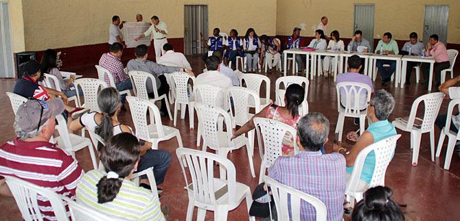 En la comuna 13 tuvo lugar el cabildo abierto con presencia de la Administración Municipal