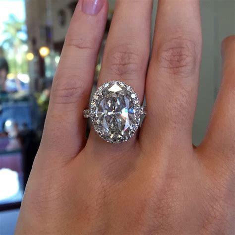 18k White Gold 9.05ct Oval Diamond Halo Engagement Ring