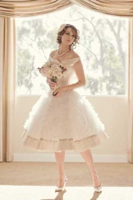 Vintage inspired knee length full skirt ivory wedding
