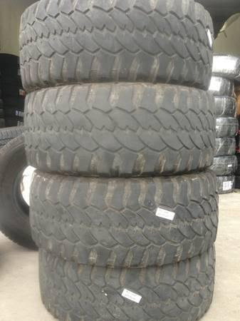 Group Of Lt 305 55 R20 Procomp Severe Mud Terrain Tires  Good For Sale In Austin