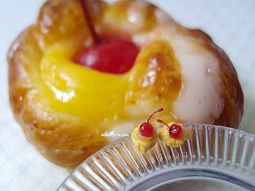 cherry bun