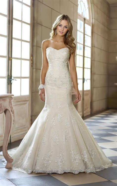 stylish ivory lace strapless sweetheart fit and flare
