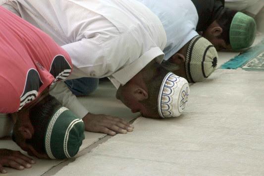 Βόμβες σε τζαμί και συνεδριακό κέντρο στη Δρέσδη!