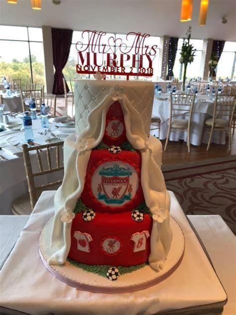 12 Incredibly Fun Wedding Cakes   weddingsonline