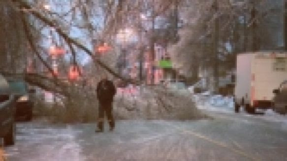 USA, Canada Hit by Snow and Ice