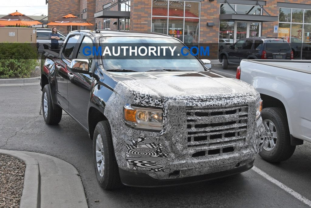 2021 gmc canyon facelift spied with new front end styling