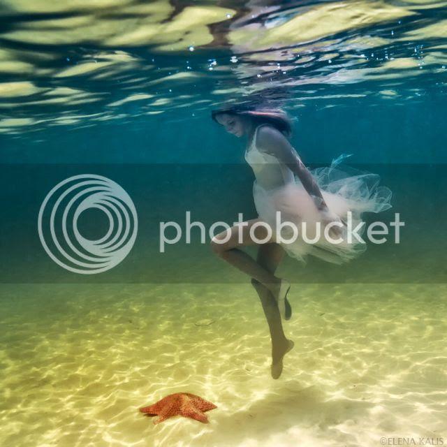 photo underwaterelenakalisa_zpse6ab1581.jpg