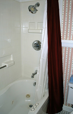 The whirlpool bath in Room #116 at the Brookside Motel