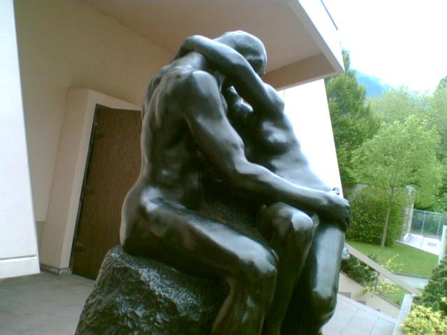 File:Parque-A.Rodin-LeBaiser002.jpg