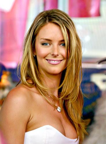 Jennifer Hawkins hot pic