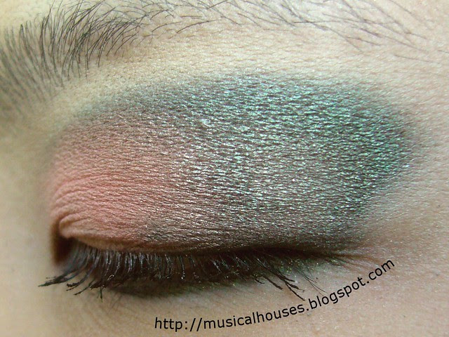 peach green eye look 3