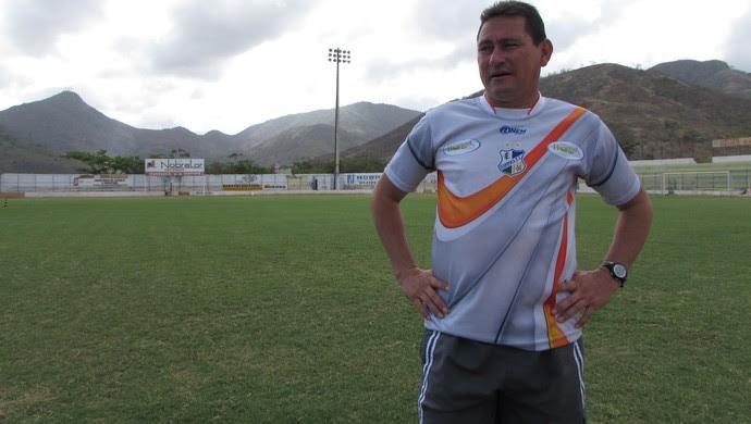 Itapipoca, treino, Roberto Carlos, técnico (Foto: Juscelino Filho)