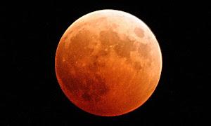 Berita terbaru: Gerhana Bulan, Warga Nahdliyin Gelar Shalat Khusuf