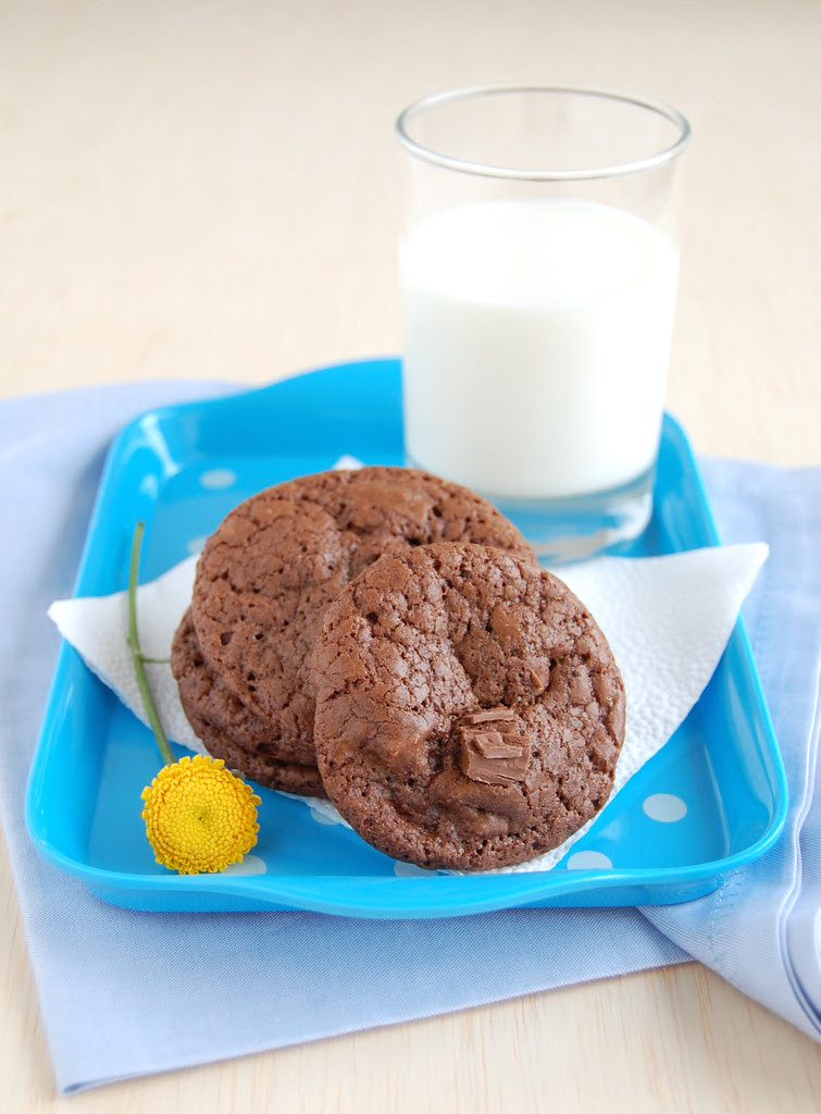 Milk chocolate cookies / Cookies de chocolate ao leite