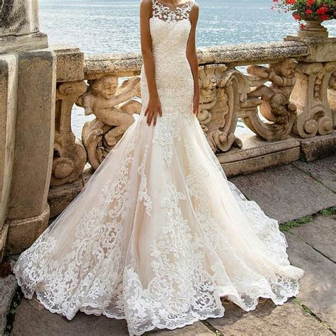 1000  ideas about Expensive Wedding Dress on Pinterest