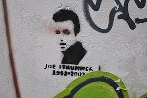 Polski: Szablon - graffiti. Joe Strummer, The ...