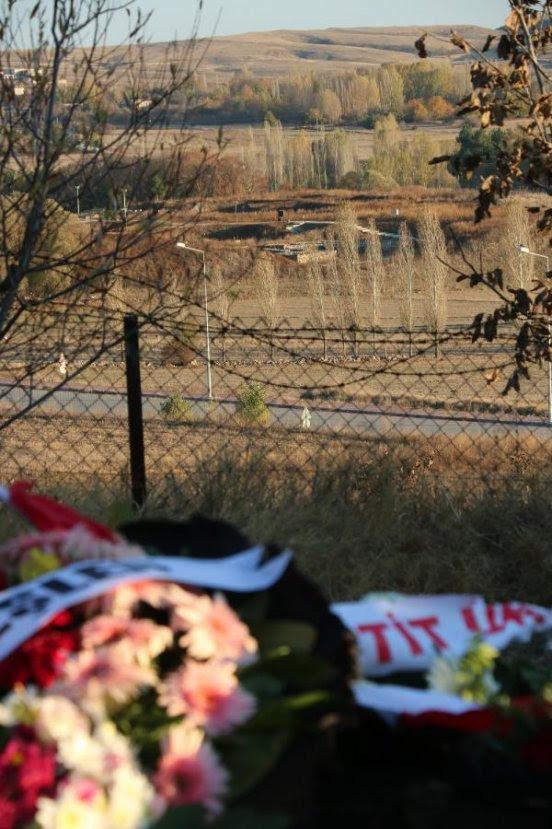 Arkeolog Çınaroğlu, vasiyeti üzerine kazı alanına gömüldü