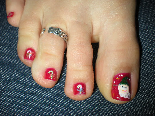 Christmas Toes toe nails design. Christmas nail art