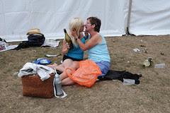 women kissing_7590 web