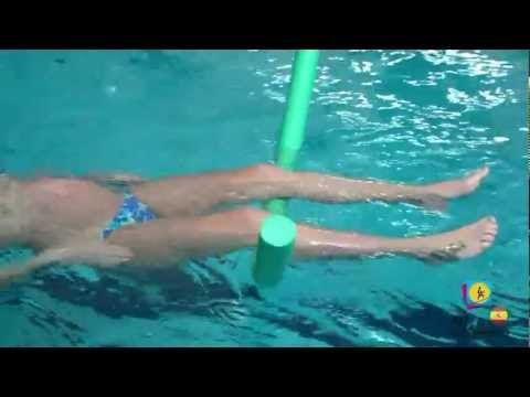 Ejercicios en la piscina para embarazadas - Pies hinchados