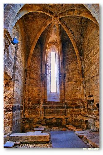 Absidíolo do Mosteiro de Santa Clara-a-Velha by VRfoto