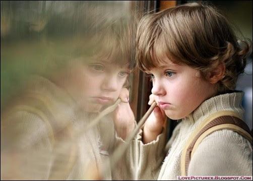 http://www.google.gr/imgres?imgurl=http%3A%2F%2Fcollegeandtheconfusedgirl.files.wordpress.com%2F2013%2F06%2Fsad-boy-kid-alone-beautiful-cute.jpg&imgrefurl=http%3A%2F%2Fcollegeandtheconfusedgirl.wordpress.com%2F2013%2F06%2F29%2Fthe-long-distance-blues%2F&h=359&w=502&tbnid=2DtDsuguZ-sVTM%3A&zoom=1&docid=TGfJIS38jYckPM&ei=NncQVJH1Ksa6ygP37IHgDA&tbm=isch&ved=0CCIQMygEMAQ&iact=rc&uact=3&dur=548&page=1&start=0&ndsp=17