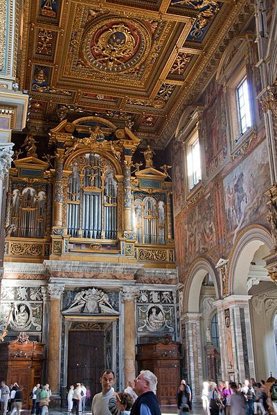 Archivo: Basilica di San Giovanni in Laterano - Interior 5.jpg